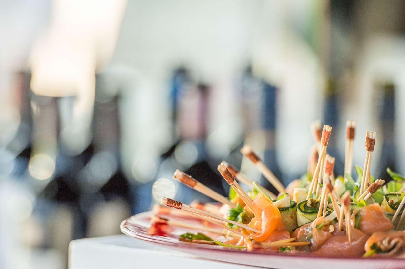 pièce-cocktail-salée-rollmops-de-courgette-1660x1104.jpg