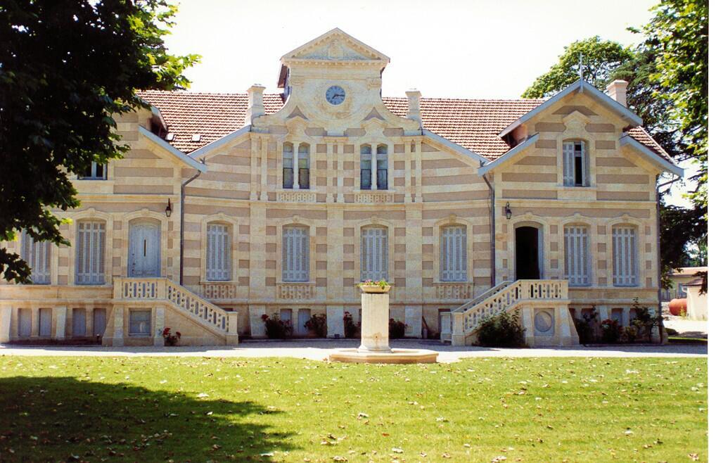 Chateau-Maucaillou.jpg